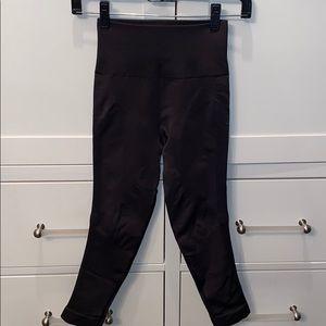 "Lululemon crop leggings ""hugged sensation"""